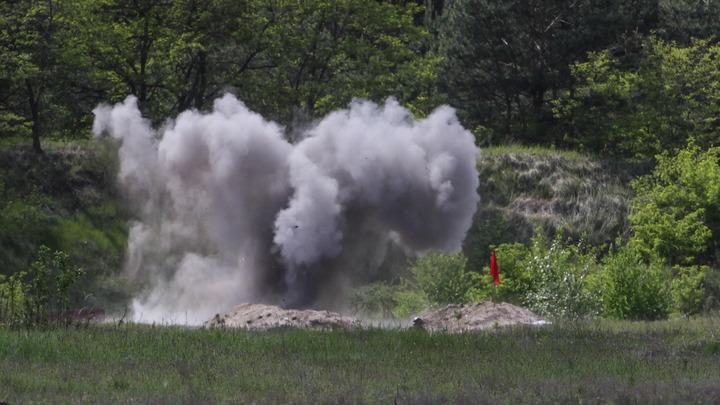Украинские каратели возле Горловки вывели танки на боевые рубежи