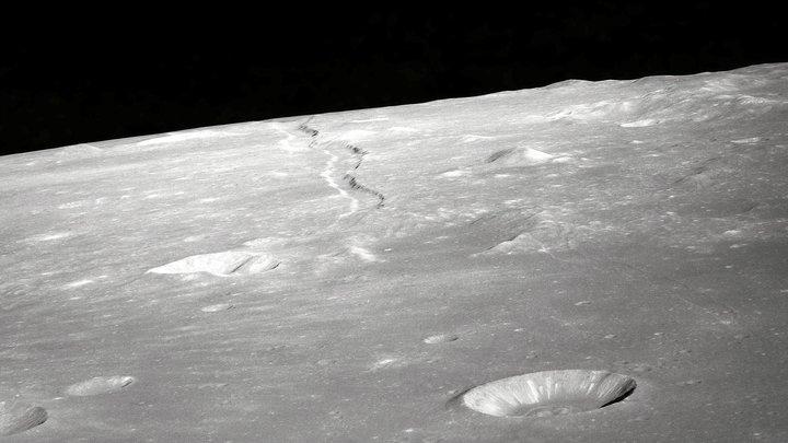 Кусочек лунной мантии: Китайский луноход сделал то, чего не смогли ни Аполлоны, ни советские зонды