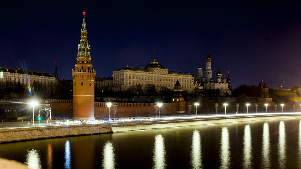 Руководитель МИД Нидерландов перед встречей сЛавровым совершил утреннюю пробежку вокруг Кремля