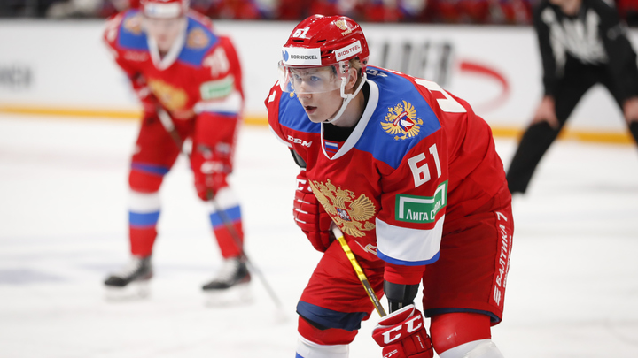 Русские начинают и выигрывают: Молодые хоккеисты разгромили финнов в Кубке Карьяла