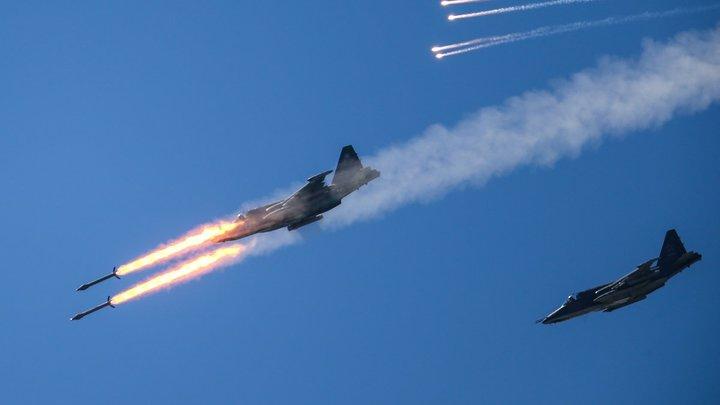 Увернется и выживет в схватке: NI оценил шансы Су-57 в бою против Raptor
