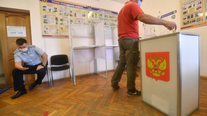 Толпа голосующих на избирательном участке в Ростове попала на видео