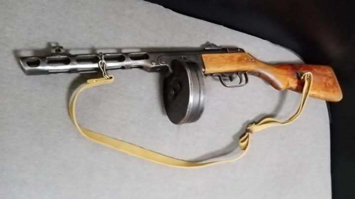 На Кубани у водителя фуры нашли пулемет без документов