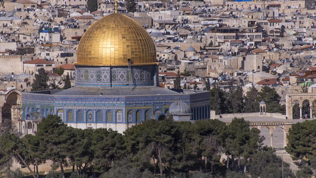 СМИ сообщили о сотне пострадавших при разгоне толпы на Храмовой горе в Иерусалиме