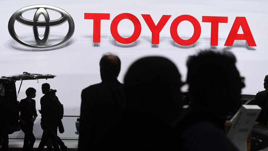 Агрессивность и комфорт: Появились шпионские фото нового Toyota Land Cruiser Prado 2018