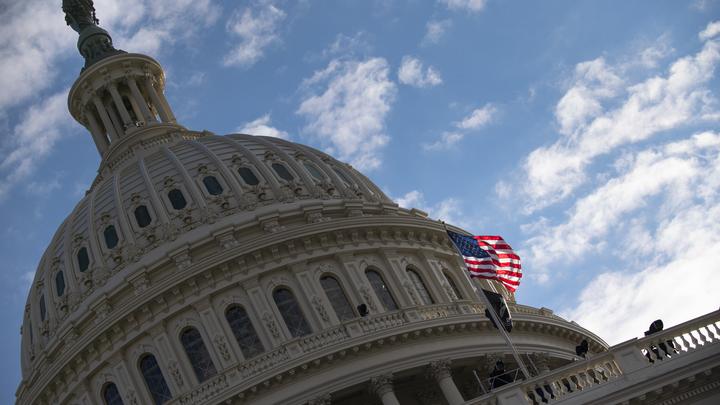Спят на полу, как собаки: Солдат нацгвардии США бросили в Капитолии - Politico