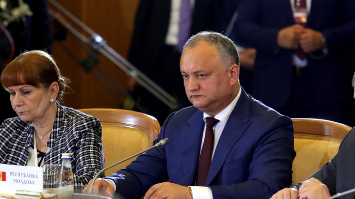 Додону грозит импичмент? Молдавию назвали возможной жертвой авторов майдана