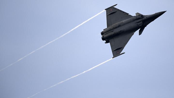 Россия сдаст свои позиции по военному экспорту Франции? Британские аналитики отправили нашу технику на покой