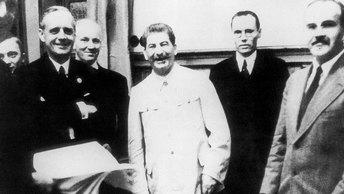 Как Сталин превратил врагов в союзников благодаря пакту с Гитлером