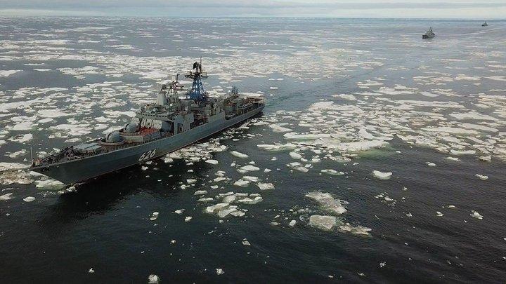 Нарушитель не скроется даже в Арктике: Северный флот впервые провел задержание корабля в море Лаптевых
