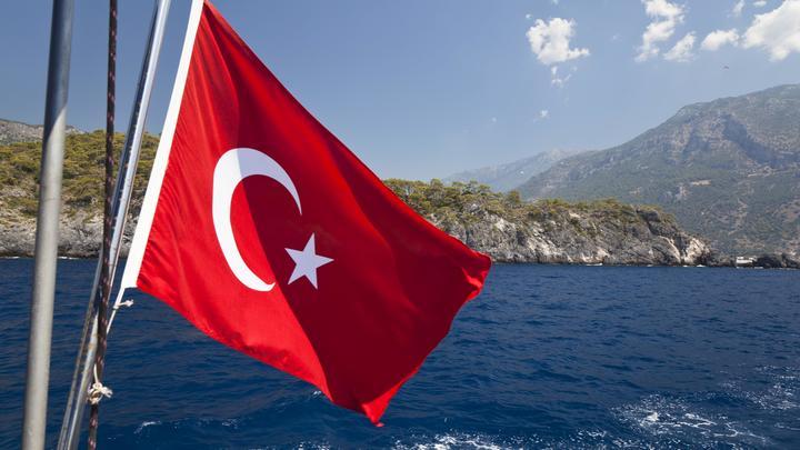 Американское посольство в Анкаре на день отказалось принимать посетителей