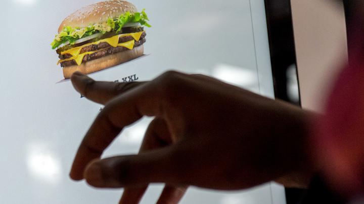 В Burger King объяснили провокационный слоган о смерти от голода