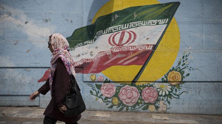 Сидит на полу: Поклонницу Дудаева и Правого сектора в Иране схватили спецслужбы