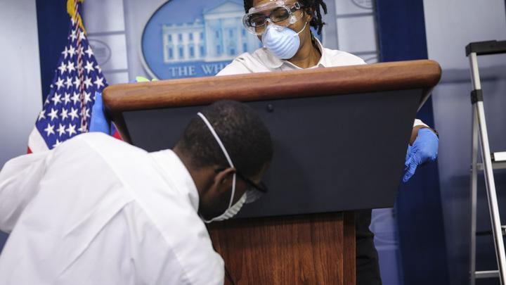 Почти две тысячи за сутки: США едва не побили рекорд по коронавирусным смертям