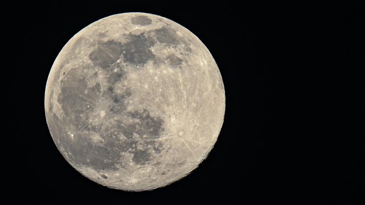 Зловещий знак: За Байдена составили список действий против России из-за лунной станции