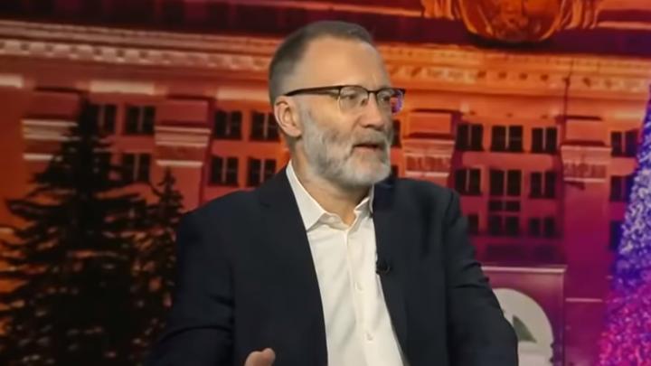 Что же делать? Реакцию чиновников на лишение двойного гражданства коротко оценил Михеев