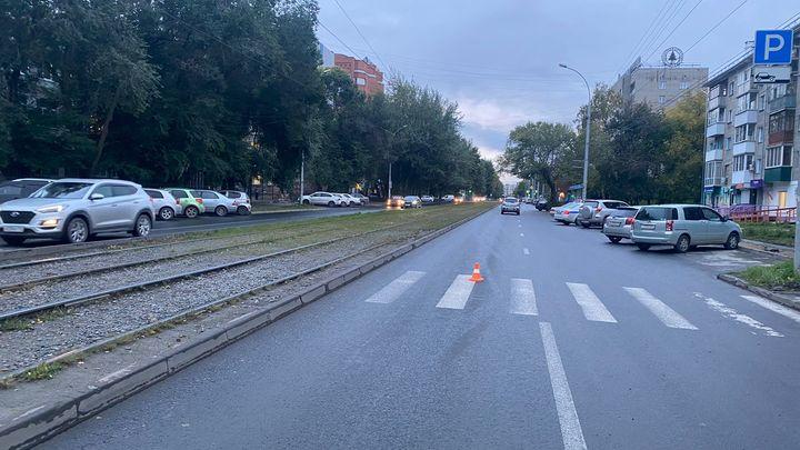 В Новосибирске иномарка сбила 16-летнего парня на пешеходном переходе