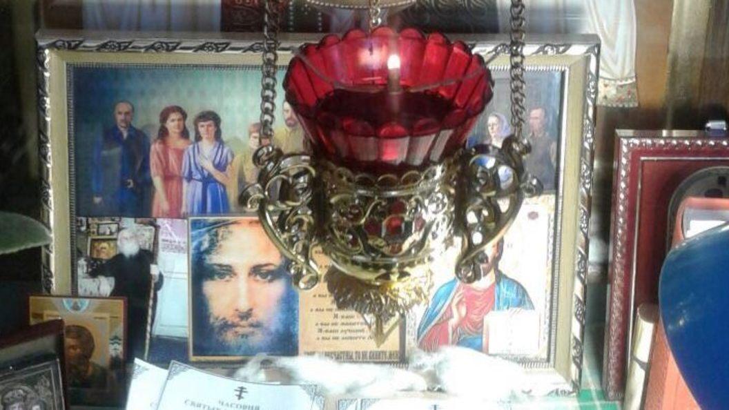 Мироточит не только бюст Николая II: Свидетель чуда