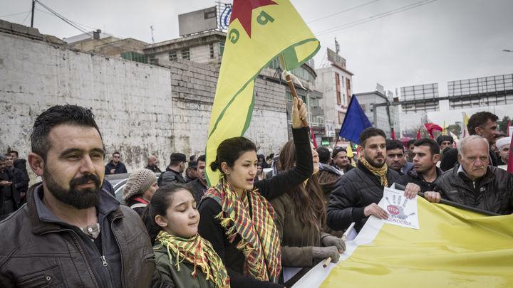 В страхе перед атакой Турции сирийские курды хотят помириться с Асадом с помощью России