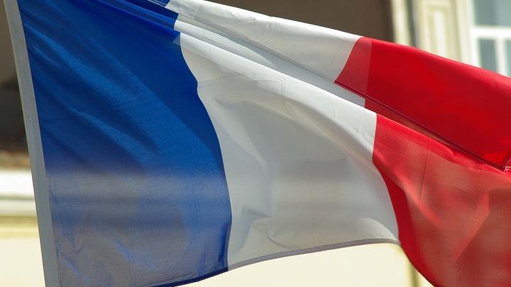 У двоих французских солдат украли штурмовые винтовки во время обеда в Макдоналдсе