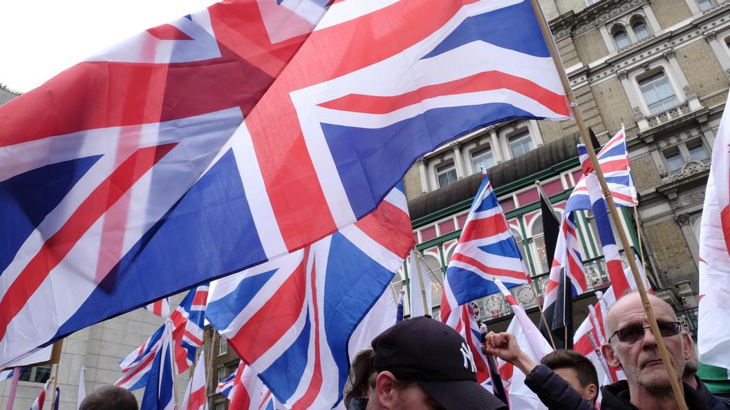 Британские политики хотят выйти из НАТО ради России