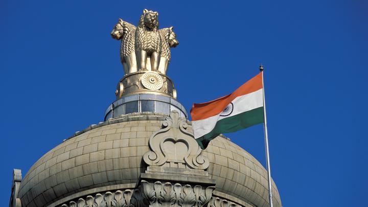 Россия и Индия уходят от санкций США оружейными расчетами в нацвалютах - Bloomberg