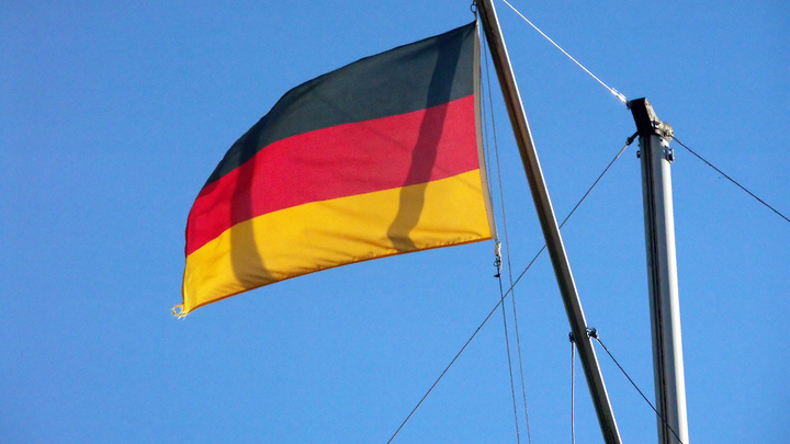 Бывшая ГДР снова хочет под крыло России? Немецкие СМИ заявили о желании сближения