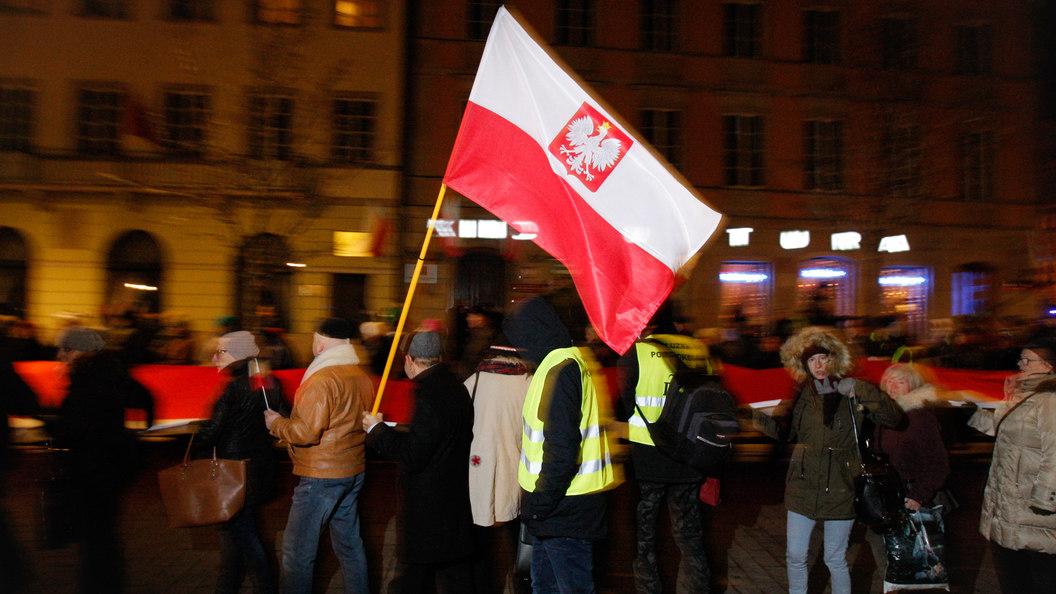 В Евросоюзе назвали неприемлемыми угрозы убийства польской журналистки