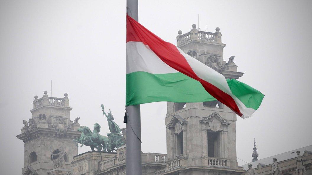 Венгры заставили российских ватерполистов снять футболки с символикой СССР