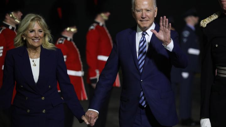 Четыре промаха Байдена на саммите с Путиным: главное, чтобы не заснул