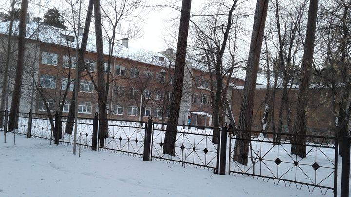 В военном городке Екатеринбурга снесут школу №84
