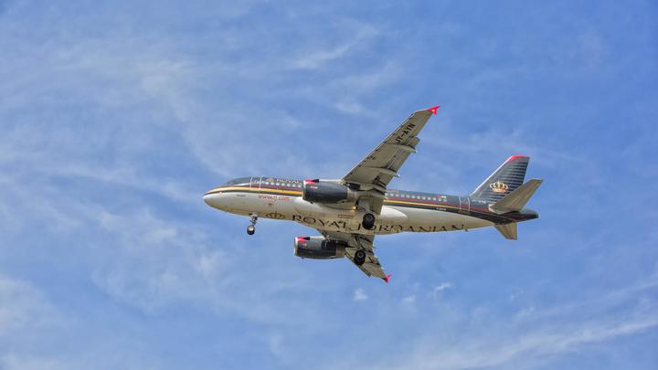 Самолет с российскими туристами вернулся в Анталью из-за разгерметизации салона