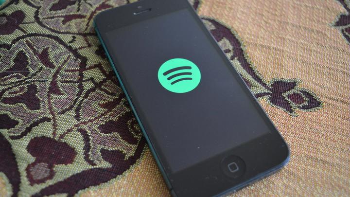 Фото беспроводной зарядки IPhone 8 не вдохновило любителей Apple