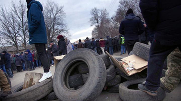 Разная реакция и плохая охрана санатория: Очевидцы рассказали о беспорядках в Полтавской области