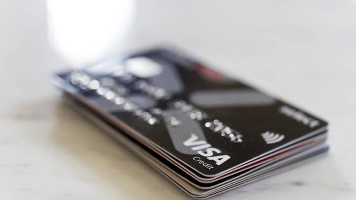 Жители России увязли в долгах по кредитным картам. Цифры вернулись к допандемийным значениям