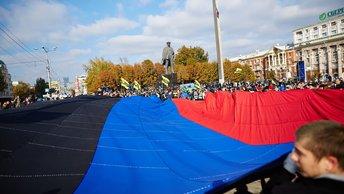 Открытие памятника добровольцам Донбасса в Ростове посетил помощник президента России