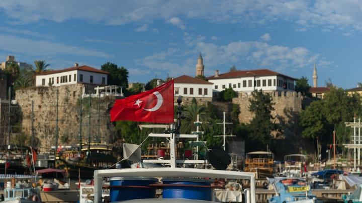 В Турции разбился военный самолет: Есть жертвы
