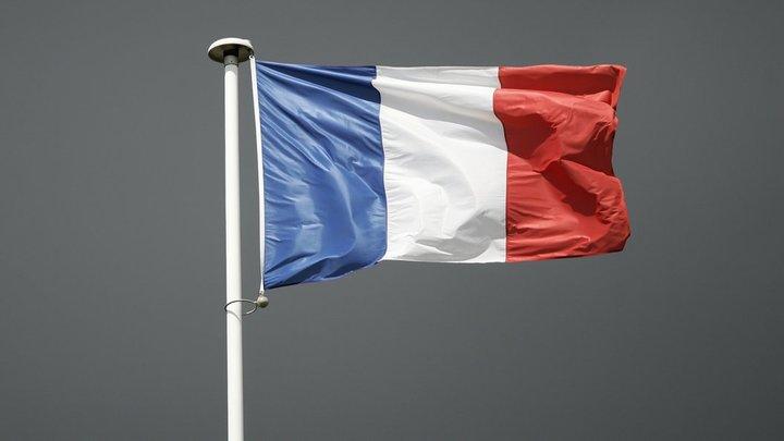 Попала под горячую руку: Россия вступилась за Францию перед Великобританией