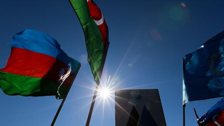 Перед приездом Меркель Азербайджан внес депутата бундестага в черный список
