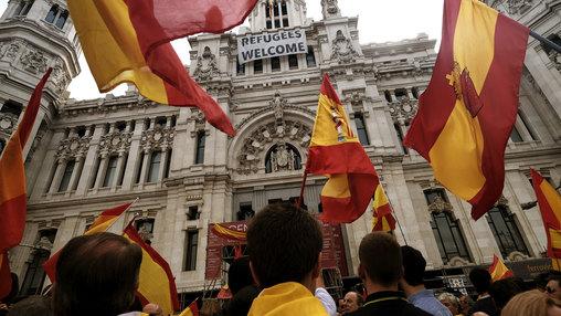 Мадрид запустил процесс лишения Каталонии автономии