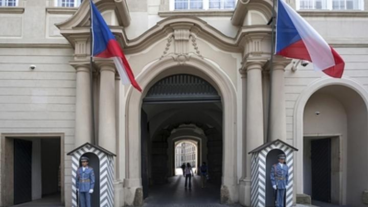 Глупая идея и сумасшедшая: Чешский премьер боится, что люди путают Чехию с Чечнёй