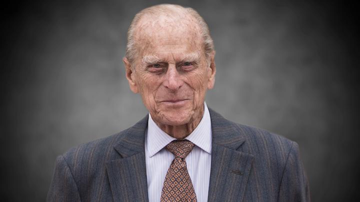 Принц Гарри вернулся в Лондон ради деда. На Меган Маркл наложили строгий запрет