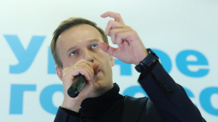 Отравление могло быть лекарством: Навального могли подвести глаза