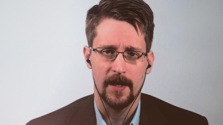 Для чего Сноудену дали закрепиться в России? Политтехнолог напомнил о намёке Путина