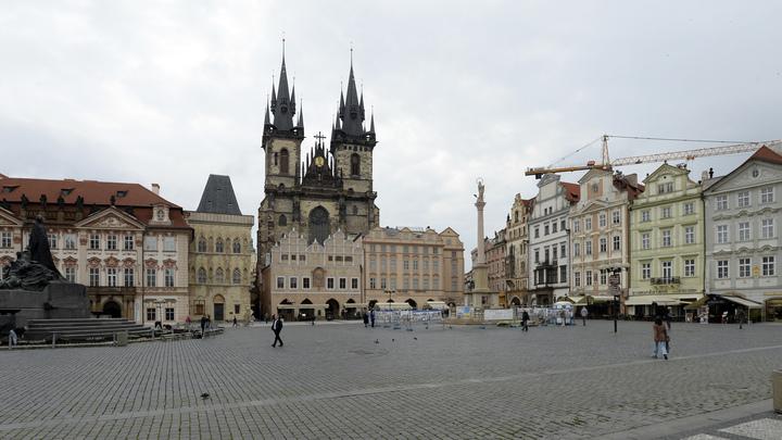 Как в дешёвых детективах: В высылке дипломатов РФ из Чехии увидели явную странность