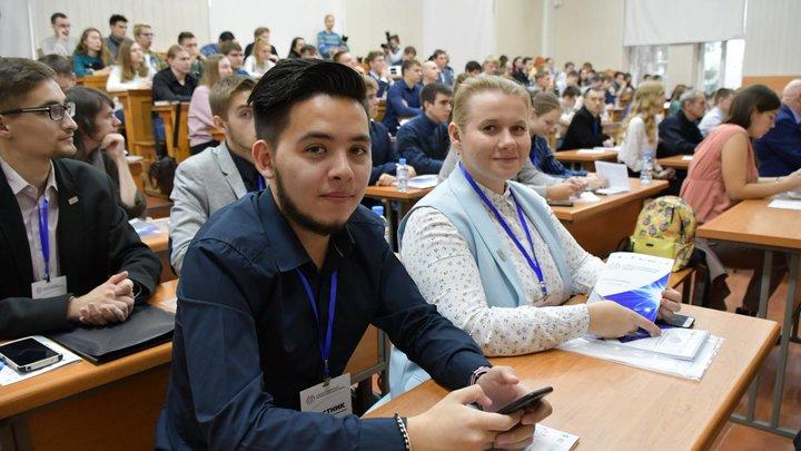 Учителей старше 65 лет в школах Санкт-Петербурга заменят молодые специалисты