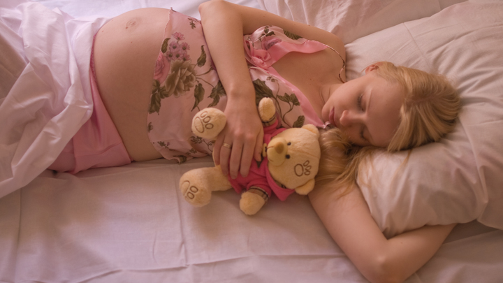 Девять школьниц младше 14 лет забеременели в Новосибирской области