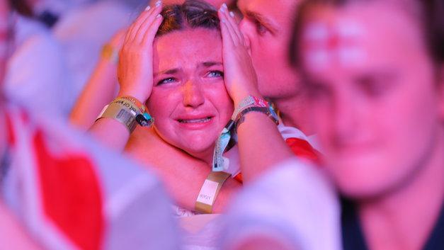«Тереза Мэй молилась о проигрыше» - как Сеть отреагировала на победу хорватов над англичанами