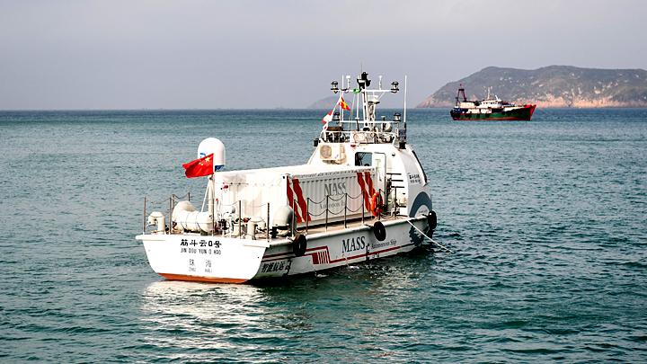 Китай выпустил в море первый грузовой корабль без экипажа