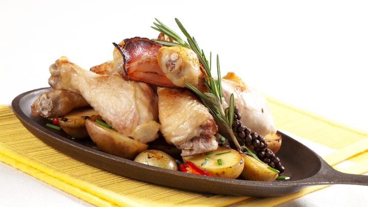 Что грозит любителям сытно поесть: Гастроэнтеролог озвучил печальный прогноз